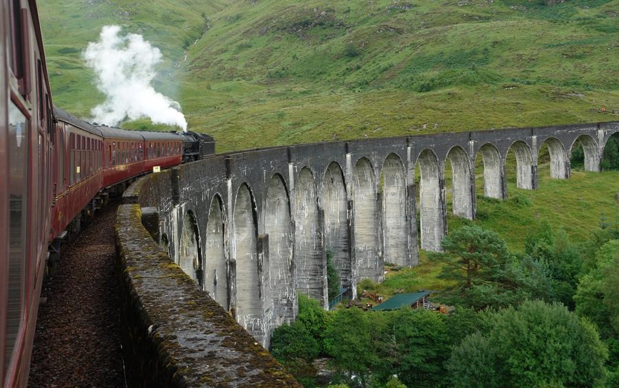 Jacobite-Steam-train01