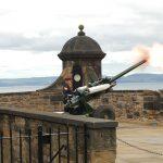 El cañón de la una en punto - Explora Escocia