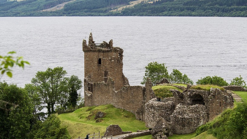 castillo lago ness